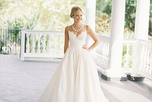 Wedding gowns / Wedding gowns and dresses that look beautiful.