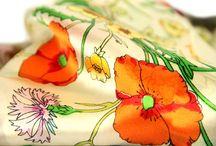 Foulard beige ecru taupe / Découvrez ma jolie sélection de foulard, châle, écharpe et étole de couleur écru, beige, camel et blanc cassé. Des foulards homme et femme en laine, en coton, en soie ou en lin.