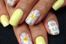 Flower power nail