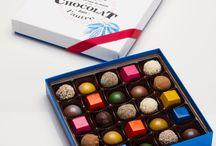 La collection de bonbons de chocolats artisanaux