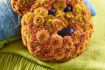 just chrys 2017 - Die Chrysantheme als Trendblume im Jahr 2017 / Die Chrysantheme ist eine farbenfrohe, zeitgeistige Trendblume. Die vorliegende Kollektion zeigt sie als must have für die verschiedenen Festlichkeiten und Anlässe des Jahres 2017, für Jahrestage oder zu unterschiedlichen Geschenkanlässen. In diesem originiellen Style ist die Chrysantheme immer die richtige Blüte - für jeden Anlass und jede Gelegenheit!