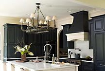 Black and White Kitchens