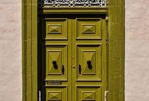 shut the front door (colors)