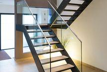 Escaliers. Passerelles. Gardes corps