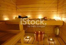 Tunnelmaa kotiisi / Tulitikkutehdas tuo sinulle ideoita, miten voit luoda kodistasi tunnelmallisen kynttilöiden avulla. Kynttilät saat syttymään suomalaisen Tulitikkutehtaan tikuilla www.tulitikkutehdas.fi/verkkokauppa.