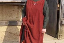 Dress 1200-1300 - Reconstructions / Replicas of 13th century male and female clothing - Replica's van 13e eeuwse mannen- en vrouwenkleding