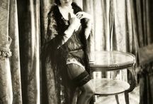 Audrey Ferris / Audrey Ferris (August 30, 1909 – May 3, 1990) was an American film actress of the silent film era of the late 1920s and into the early 1930s.