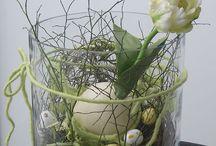 Blomster i stor vase