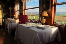 Vagón-Restaurante / Se trata de un vagón de los años 50 convertido en restaurante, un lugar único y exclusivo desde el que disfrutar una de las vistas más bellas de Segovia.