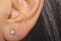 Earrings Obsession / My favorite earrings on Pinterest. Earring trends #earringstuds #trendy #beautifulearrings