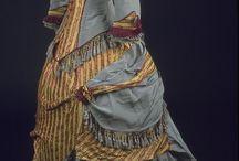 Dobové šaty