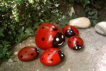 Hand painted stones for graden