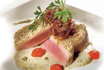 """Las recetas del Consorcio Gorgonzola / Gorgonzola es cada vez más una fuente de inspiración para los cocineros y gourmets, ya que es cada vez más un queso """"toda la comida"""". En innumerables recetas, el sabor del queso Gorgonzola ofrece su toque inconfundible de aperitivos, platos de pasta y arroz, platos principales, e incluso postres, y sesiones específicas de cata también se organizan."""