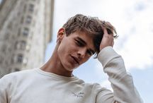 rpg. oc | teen: elijah / please, smile at strangers.  — elijah dallaire   → fc: logan shroyer