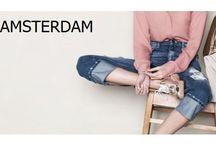 Smaak Amsterdam / De collecties van Smaak Amsterdam zijn keer op keer verrassend, met elk seizoen nieuwe kleuren, nieuwe modellen en nieuwe accessoires. De tassen van Smaak zijn trendy maar tijdloos, en uiteraard van prachtige kwaliteit. Ze zijn vervaardigd uit zacht rundleder en voorzien van luxe lichtgouden details en stevige ritsen. Zo kun je optimaal van je tas genieten!