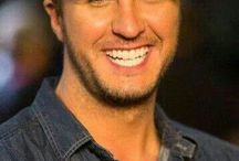 Luke Bryan !!!! = WOW!!!! / by Madison Hale