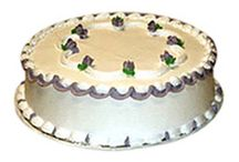 New Year Cakes / Cakes are the heroes in many occasions whether it's birthday, anniversary or New Year celebration. While the countdown of New Year, the fresh day is celebrated with the cake cutting ceremony.