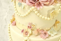 I LOVE CAKES / Obsessed with Cakes!!!!!!!!!!!!!! / by Alice Bradway