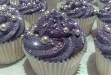 Pretty Cakes / Ideas for special events, or just pretties.