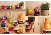 Colorful / Collezione colorata di complementi per la tavola in ceramica e plastica colorata, ideale per rendere le vostre tavole fantasiose e allegre
