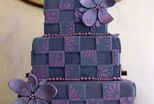 Cake Inspiration / Beautiful cakes I would love to try / by Jennifer Huggins