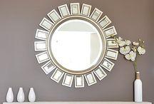 Miroir DIY / Le miroir apporte une touche indémodable et design à votre décoration intérieure. Il s'adapte à tous les espaces, et se décline sous toutes les formes. Avec www.monvitrage.fr vous avez la possibilité de commander votre miroir sur mesure puis de le personnaliser vous même à l'infini ! Voici quelques exemples de DIY (Dot It Yourself)