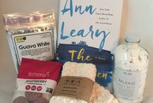 June 2016 Cozy Reader Club Box / Live dangerously... Read in the bath