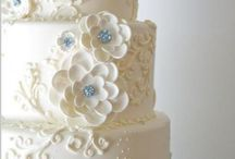 Wedding Cakes / by Bernice Camlin