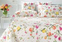 Flores en la cama