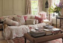 Living Rooms / by Laurie Robbins