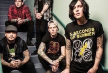 mus▪sleeping with sirens