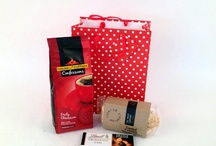 Kitchen & Food hampers / Kitchen gadgets and Food hampers always make great gifts .. we turn on the heat with our selection of gift hampers.