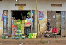 UGAFODE Microfinance Limited / UGAFODE Microfinance Limited est une institution financière réglementée, autorisée par la Banque centrale d'Ouganda à offrir des services financiers ciblés et un large éventail de produits financiers à ses clients dans les zones urbaines, péri-urbaines et rurales de l'Ouganda, et ce pour répondre aux besoins en constante évolution de ses clients. L'institution propose ainsi des services financiers inclusifs qui répondent à leurs attentes. ©Didier GENTILHOMME