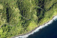 Rejser til Hawaii / Rejser til Hawaii byder på fantastisk natur, spændende kultur og en skøn afslappet stemning. Man kan læse sig til meget, men man skal have været der for at forstå øernes særpræg og muligheder. Helst igen og igen …