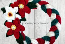 Christmas placemats and wreaths