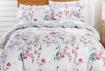 Bedding Sets / Home Decor / You will enjoy these bedding designs for the ultimate quilt cover bedding set that also reverse to a soft background and it is the interior designer's dream to create a sophisticated bedroom setting.  These fine bedding sets and their unique gift packaging make a great choice for housewarming or bridal shower gift.