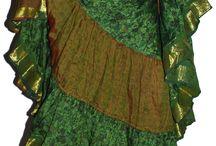25 Yard Sari Skirts / Wonderful Tribal Skirts made with vintage saree fabrics, in vibrant colors!  ************************** http://www.sunandabazar.com/faldas-tribal/413-falda-tribal-sari-25-yardas.html