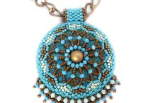 beading / by Sharon Parsons