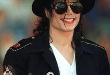 Michael Jackson  / #Michael Joseph #Jackson (29 de agosto de 1958 —Los Angeles, 25 de junho de 2009) foi um famoso e importante cantor, compositor, dançarino, produtor, empresário, arranjador vocal e filantrópico norte-americano. / by Camilo Aparecido