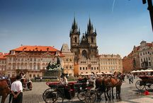 OnlyBefrom Prague / Would you like to discover the most authentic side of Prague ? Spend a special afternoon visiting the Prague Astronomical Clock, Prague Castle or Charles Bridge. Find the best places to eat and where to go shopping. Enjoy our guide and live Prague like a local !