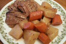 Crock pot cooking / by Courtney McCarthy
