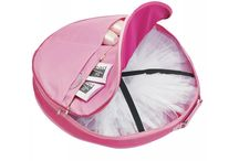 Dance Bags / Bags for all styles of dance from jazz, tap, ballet, modern and street. Great for storing and transporting all of your dance essentials to and from class.