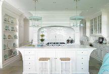 Kitchens / by Kathleen Malecka