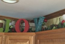 My Christmas Kitchen Decorating / Pinning photos so I can remember where I put everything :).