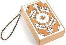 CLUTCHES TINNA / #Clutches em madeira, acrílico e chamois com design exclusivo TINNA e fabricação artesanal
