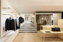 Béton ciré dans les boutiques / Résistance à l'usure et facilité d'entretien: deux atouts qui rendent le béton ciré incontournable dans les commerces et galeries.