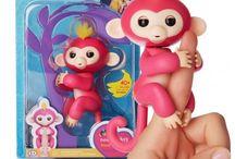 Fingerlings Scimmiette / Le Fingerlings sono le simpaticissime scimmiette interattive che stanno facendo impazzire i bambini di tutto il mondo. Anche in Italia. Riconoscono al tocco, al movimento e ai suoni e hanno più di 40 animazioni diverse!