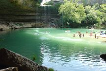 Outdoor Activities In Austin, TX / Spring is just starting to settle into Austin, making the perfect combination for weather and outdoor activities that many Austinites enjoy.  And this means you too can enjoy it!