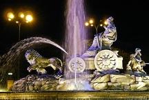 Madrid de noche / la cibeles de noche es fantastica