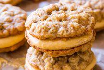 Oatmeal pumpkin cream cookies